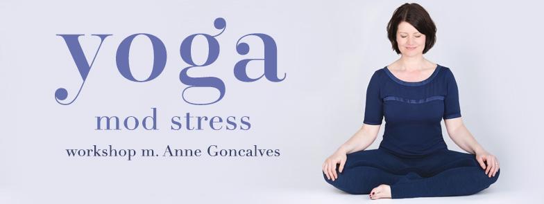 Anne Goncalves er yoga- og mindfulnesslærer og certificeret stresscoach. Oprindelig grafisk designer, men en periode med kronisk stress for 8 år siden fik hende til at uddanne sig inden for yoga, meditation og stressbehandling. I dag kombinerer hun al sin viden og hjælper mennesker med at slippe stressen gennem yoga og mindfulness med workshops, 1:1 sessioner og onlineforløb. Hendes første bog 'Yoga mod stress' udkommer d. 6. september og du også vil få mulighed for at købe den til workshoppen.